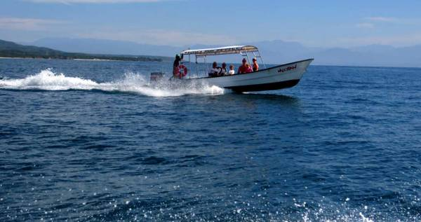 Marietas Islands Tour Boat, Marietas Island Day Trip
