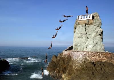 Mazatlán Cliff Diver, El Clavadista, Visit Mazatlán