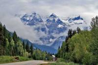 Mount Robson Park from Yellowhead Highway