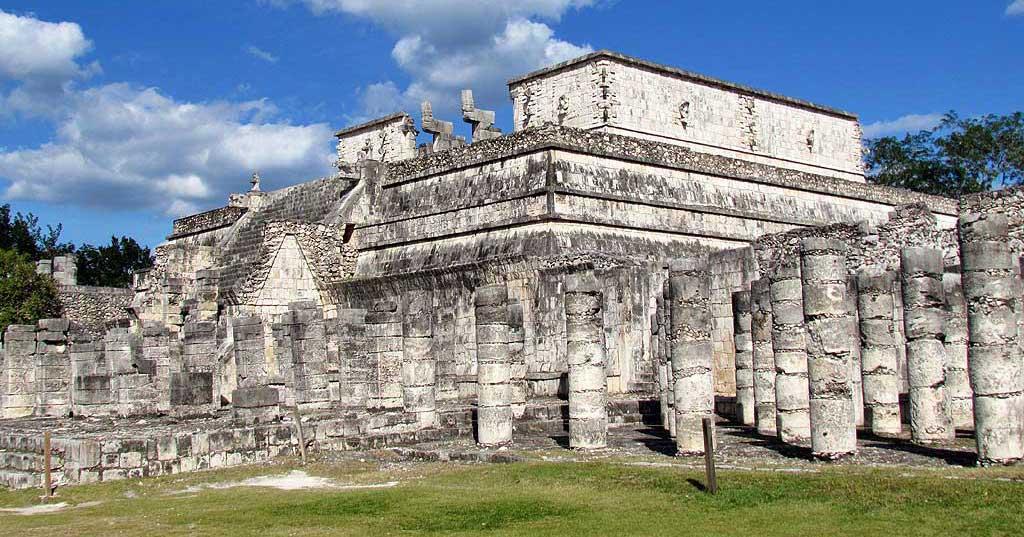 Temple of the Warriors, Chichén Itzá Tour