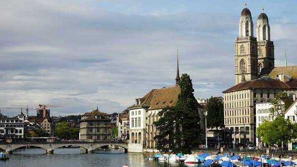 Grossmünster, Limmat River, Old Town Zürich