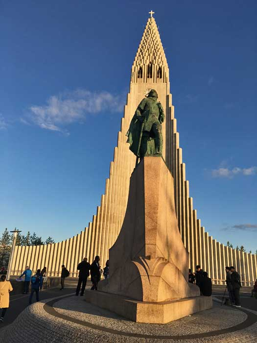 Leif Erikson Statue in front of Hallgrimskirkja Church, Reykjavik Visit