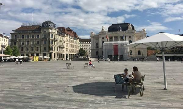 Sechseläutenplatz, Zurich Old Town