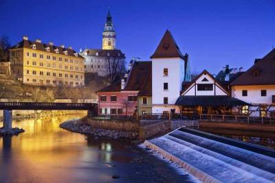Cesky Krumlov Castle from Old Town