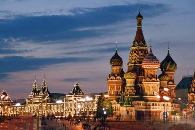 GUM & St Basils's Cathedral, Red Square, Visit Moscow