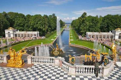 Peterhof Palace Grounds, St Petersburg