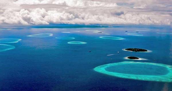 Atolls, Visit the Maldives