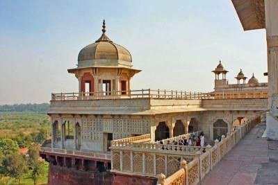 Gallery of Pillars, Agra Fort, Visit Agra