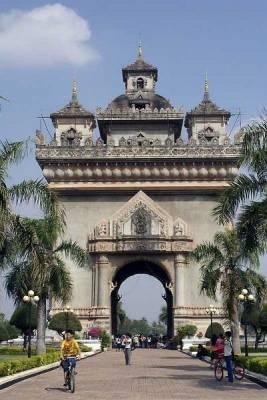 Patuxai Victory Monument, Visit Vientiane