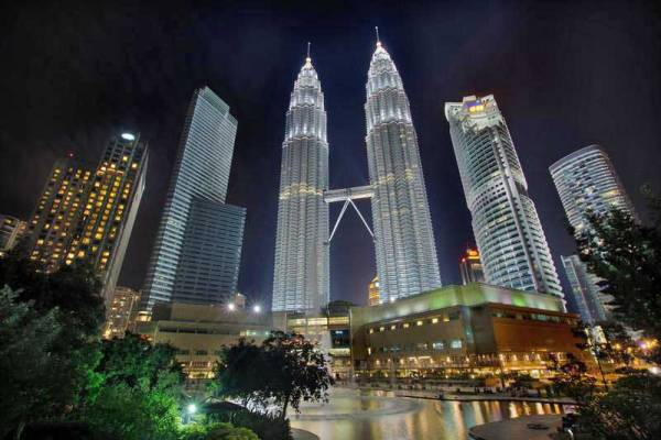 Peteronas Twin Towers, Visit Kuala Lumpur