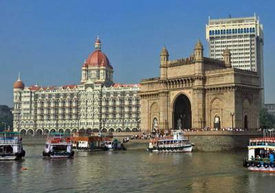 Taj Mahal Hotel & Gateway of India, Visit Mumbai
