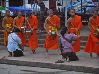 Tak Bat, Visit Luang Prabang