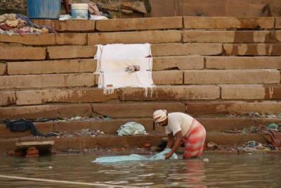 Washing, Ganges River Ghat