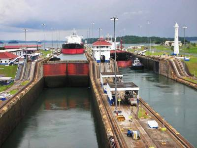 Descending to Colon, Gatun Locks, Visit Panama Canal