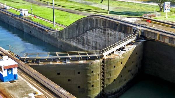 Gatun Locks, Visit Panama Canal