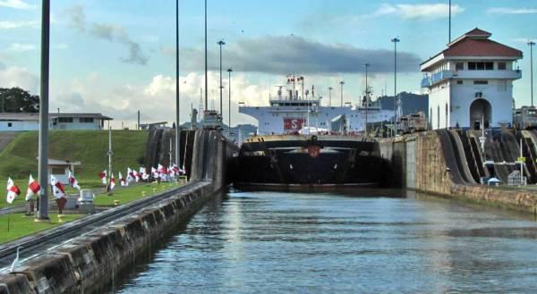 Miraflores Locks, Visit Panama Canal