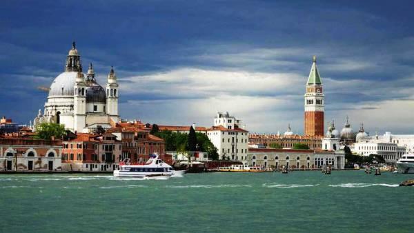 Santa Maria della Salute and St Mark's, Venice