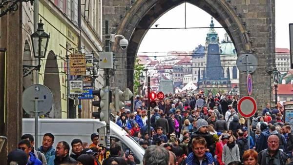 Tourists on Charles Bridge, Touring Prague