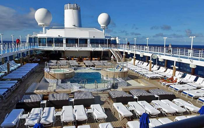 Oceania Regatta Pool Deck