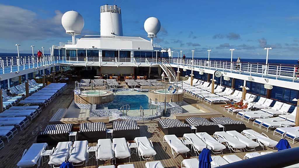 Oceania Regatta Pool Deck